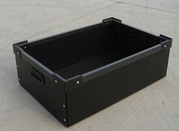 中空板箱2