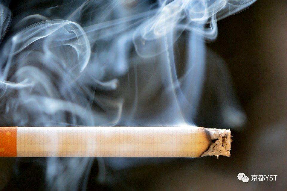 抽烟导致的咽干咽痒怎么办?